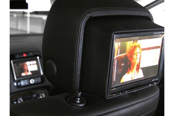 38129 - Integrated Rear Seat Entertainment - Kopfstützen für VW Touareg 7P