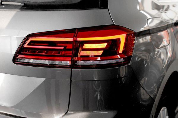 42410 - Komplettset Facelift LED Heckleuchten für VW Golf 7 Sportsvan