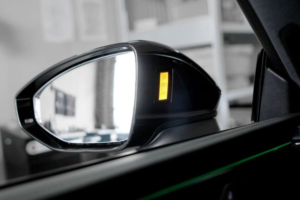 43010 - Spurwechselassistent (Audi side assist) für Audi A6 4A