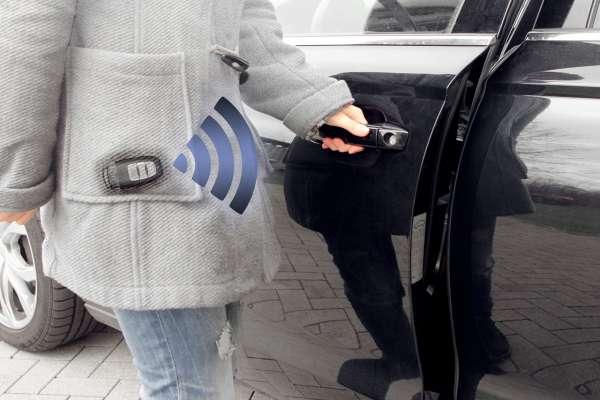 43525 - Komfortschlüssel Kessy für VW Touareg CR
