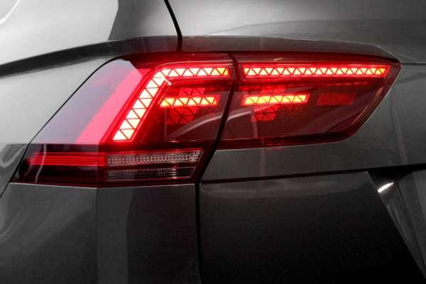 42250 - Komplett-Set LED-Heckleuchten für VW Tiguan AD1