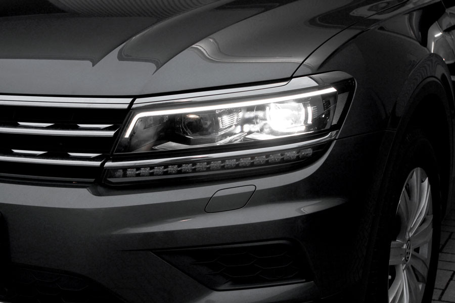 vw tiguan ad1 led scheinwerfer mit tagfahrlicht nachr sten. Black Bedroom Furniture Sets. Home Design Ideas